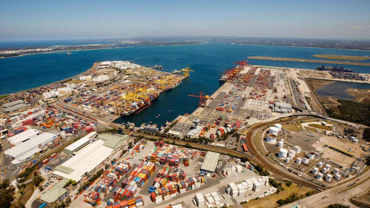 NSW Ports welcomes the largest container vessel  to ever visit Port Botany