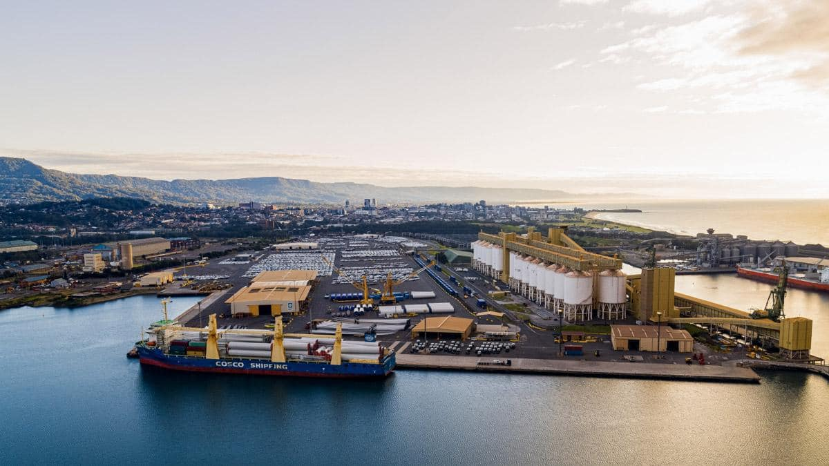 Port Kembla proves itself as a major import hub for renewable energy projects with Bango Wind Farm